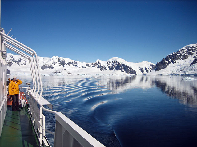 At long last, we set sail for the Drake Passage and Ushuaia.